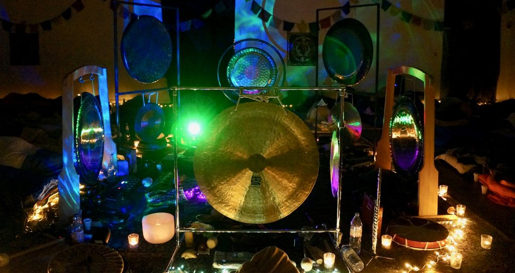 Gong with lights